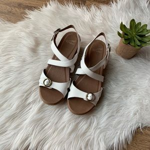 Dansko Julie Like New White Leather Wedge Sandals